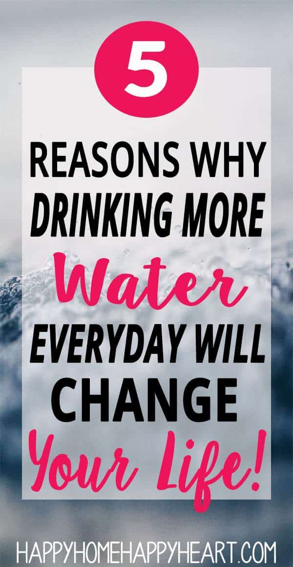 One of the of best healthy living tips is to drink more water. When you drink more water it can have a major impact on your life. Check out this post to discover the reasons why you should be drinking more water everyday! #HealthyLiving #SelfCare #DrinkMoreWater