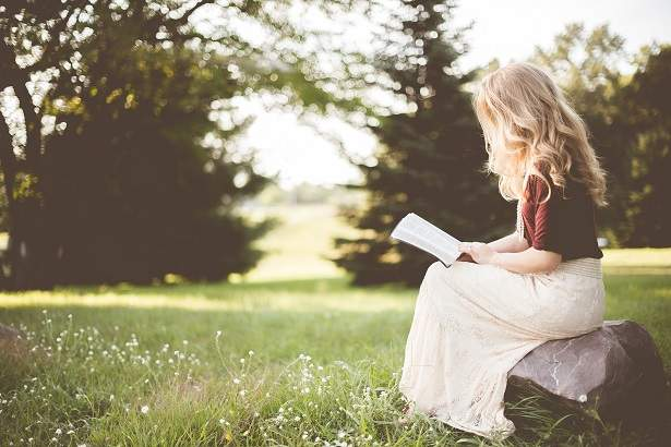 5 Important Reasons Why Every Christian Should Study the Bible | HappyHomeHappyHeart.com