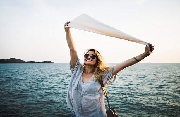 How To Be Happy Now : 15 Happy Hacks | HappyHomeHappyHeart.com