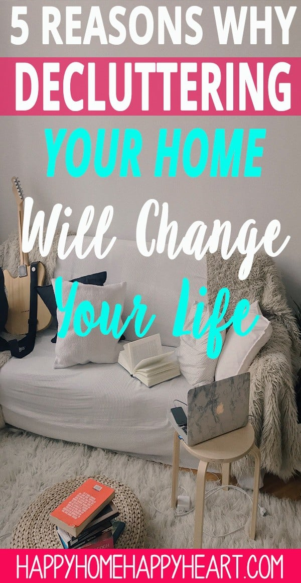 A clean & clutter free home can change your life in many ways. Decluttering your home is an amazing way to increase your quality of life. Check out this post to learn more about the benefits of a clean & clutter free home! #CleaningTips #CleaningHacks #CleanHome