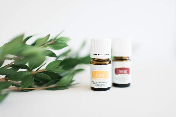 What are Essential Oils & How Do They Work | HappyHomeHappyHeart.com